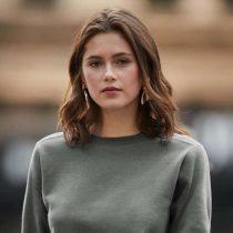 Női környakú pulóver